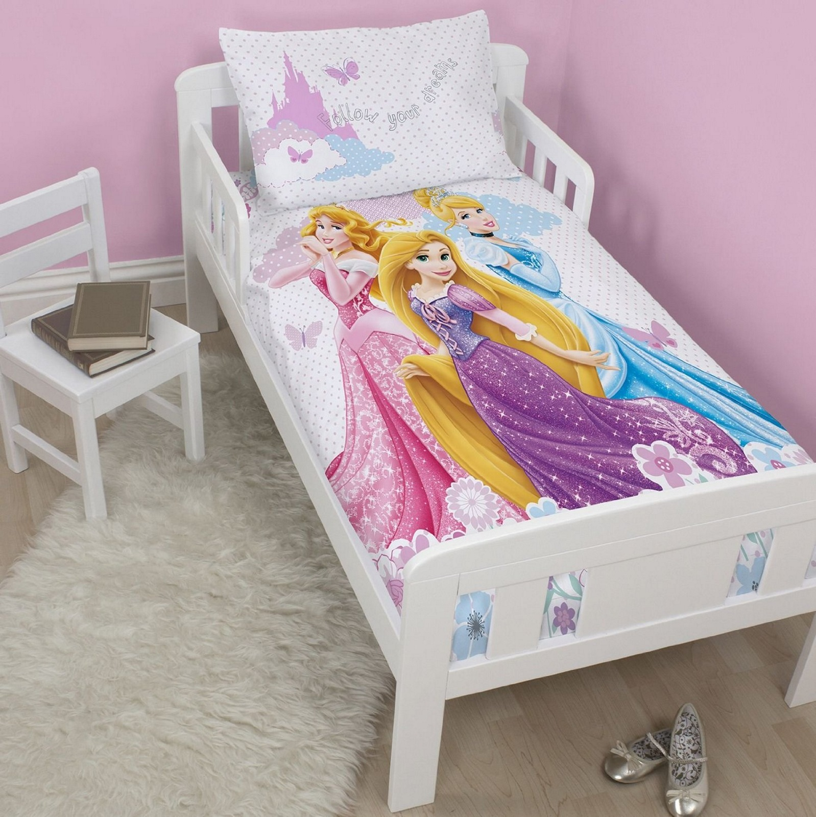NEW DISNEY PRINCESS DREAMS JUNIOR QUILT COT BED DUVET